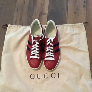 gucci ace signature shoes